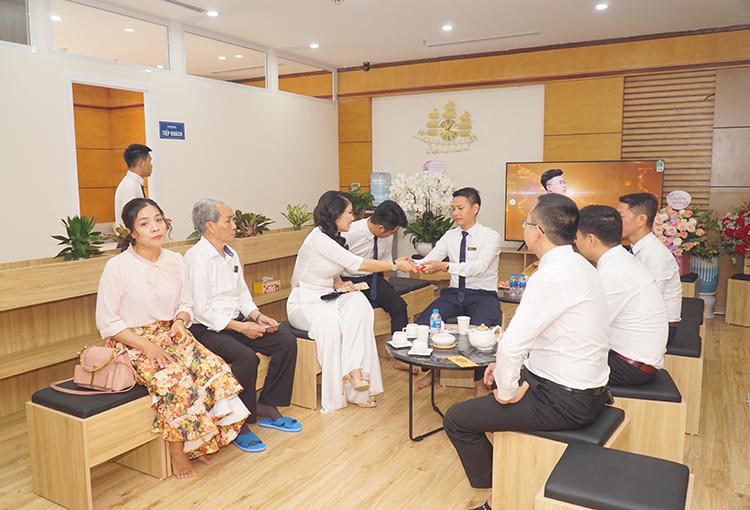 Lạc Hồng Viên tưng bừng khai trương văn phòng kinh doanh