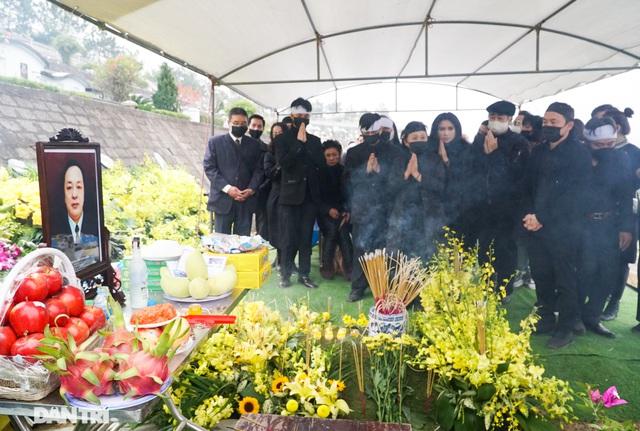 Nhiều nghệ sỹ dự lễ an táng NSND Trung Kiên tại Hòa Bình - 1