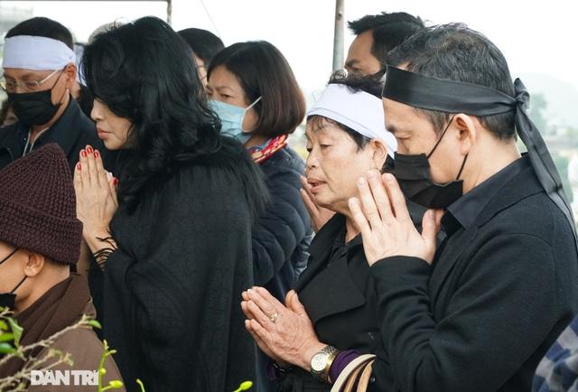 Nhiều nghệ sỹ dự lễ an táng NSND Trung Kiên tại Hòa Bình - 3