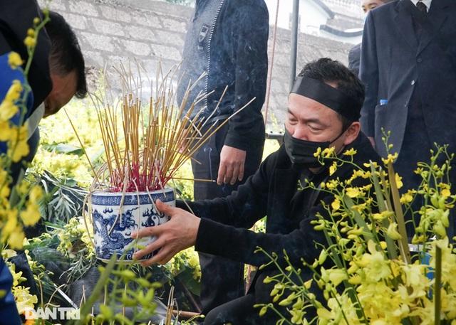Nhiều nghệ sỹ dự lễ an táng NSND Trung Kiên tại Hòa Bình - 4