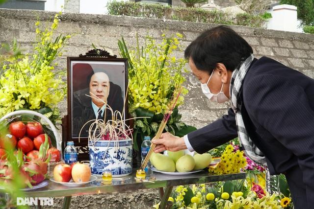 Nhiều nghệ sỹ dự lễ an táng NSND Trung Kiên tại Hòa Bình - 5