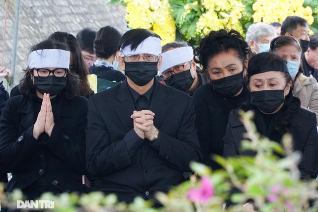 Nhiều nghệ sỹ dự lễ an táng NSND Trung Kiên tại Hòa Bình - 6