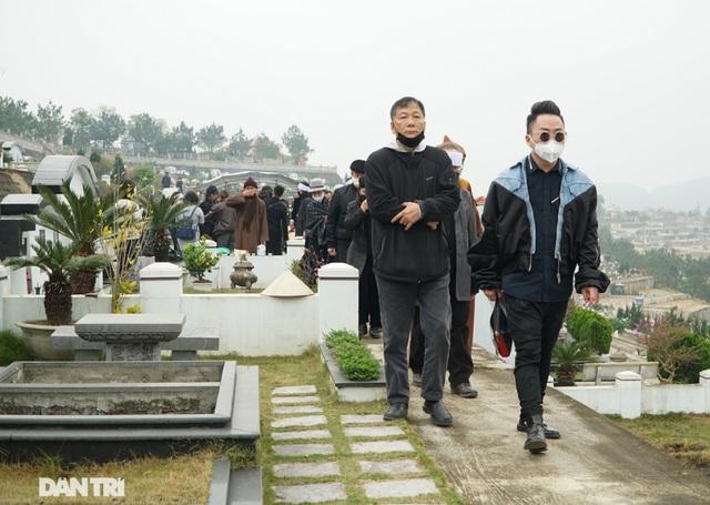 Nhiều nghệ sỹ dự lễ an táng NSND Trung Kiên tại Hòa Bình - 10